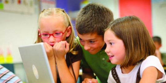 Privacy, data protection and the evolving capacity of the child: what the evidence tells us