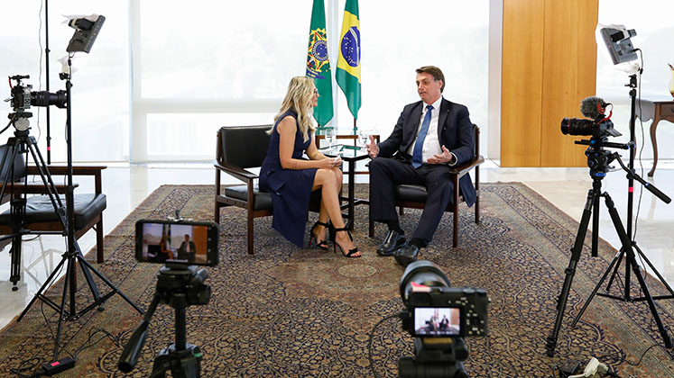 Jair Bolsonaro being interview by actress and Youtuber Antonia Fontenelle
