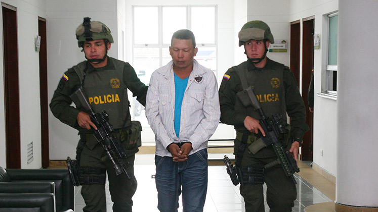 "Colombian police take into custody the former AUC member Hernán Arturo Cantillo Camargo, alias ""Yovanny"" or ""El Colen"""