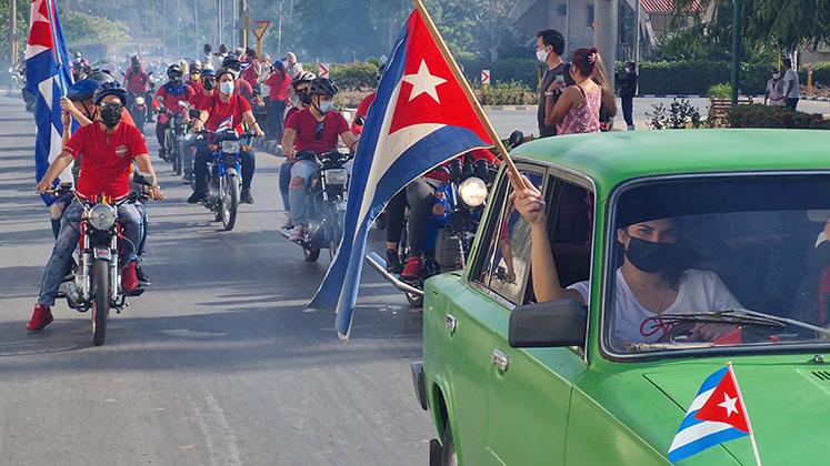 Motorcyclists in Villa Clara, Cuba, protest against the US blockade in April 2021