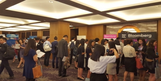 5 reasons to book a place at our 2019 Asia Careers Fairs