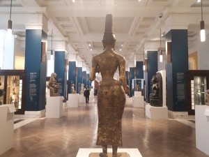 Photo of statue of Tara from behind