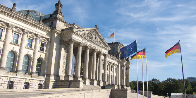 Critically democratic: Explaining the collapse and revival of political support in Germany