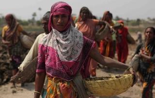 Labourer in Naogaon District, Bangladesh © BRAC