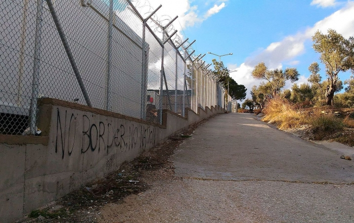 Before the spark: A political account of fires in migrant settlements