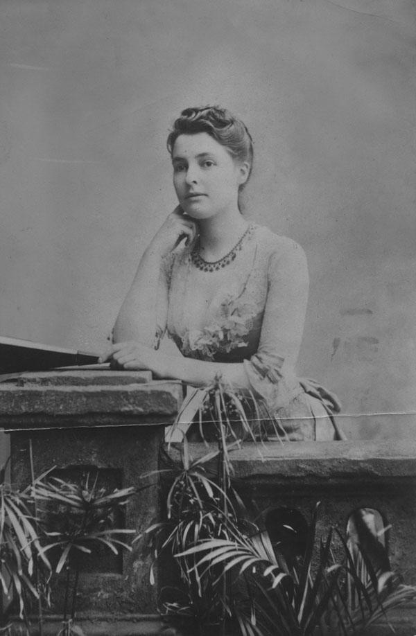 Beatrice Webb c1883. IMAGELIBRARY/71. LSE