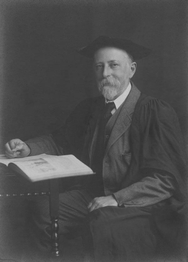 Edwin Cannan c1920