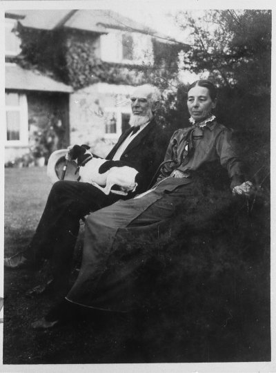 Leonard and Kate Courtney, c1916. IMAGELIBRARY/1352. LSE