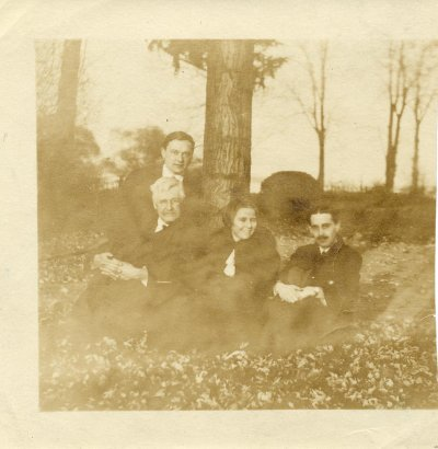Graham Wallas and group, c1920. IMAGELIBRARY/1365. LSE