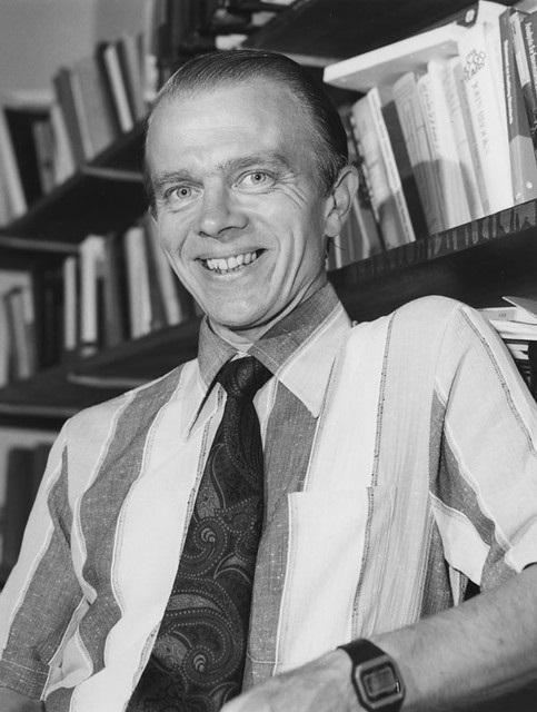 Bryan Carsberg, 1982