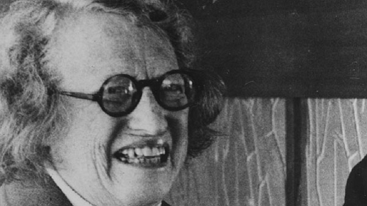 Ursula Kathleen Hicks: the first woman editor of a major economic journal