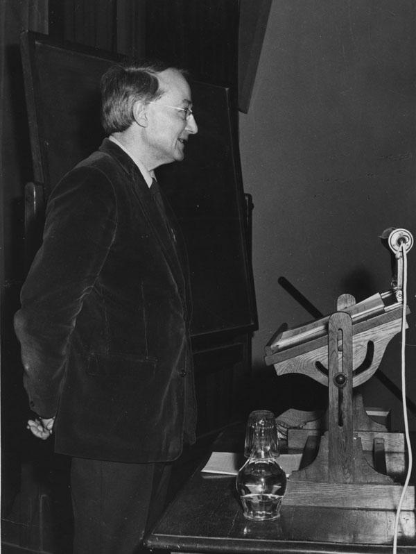 Professor Michael Oakeshott, 1964. IMAGELIBRARY/287. LSE