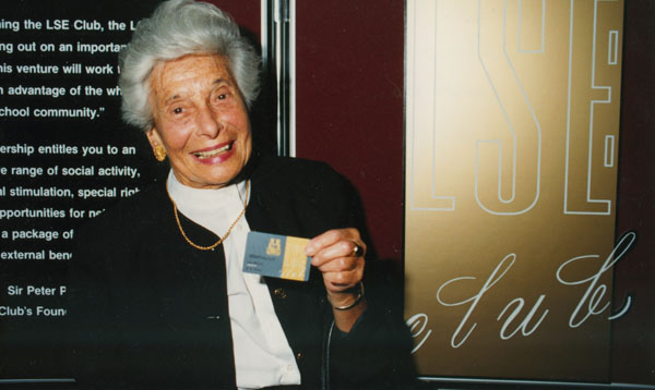 Dr Anne Bohm receiving Honorary Life Membership of the LSE Club, 1990. IMAGELIBRARY/106. LSE