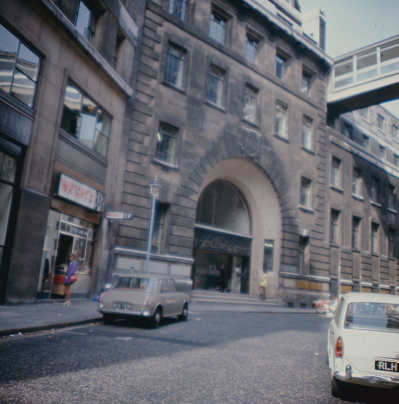 Houghton Street showing Main Entrance and Wright's Bar, c1970s. IMAGELIBARY/807. LSE