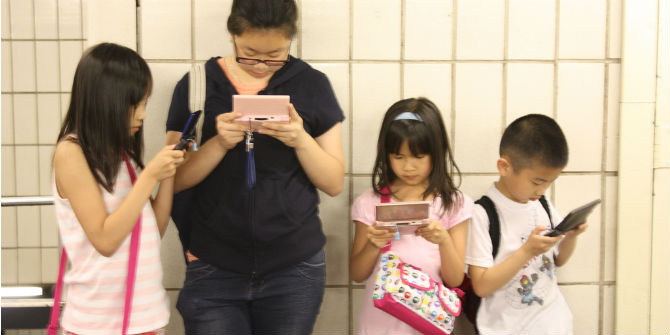 What do Chinese parents say and do about their children's online safety?
