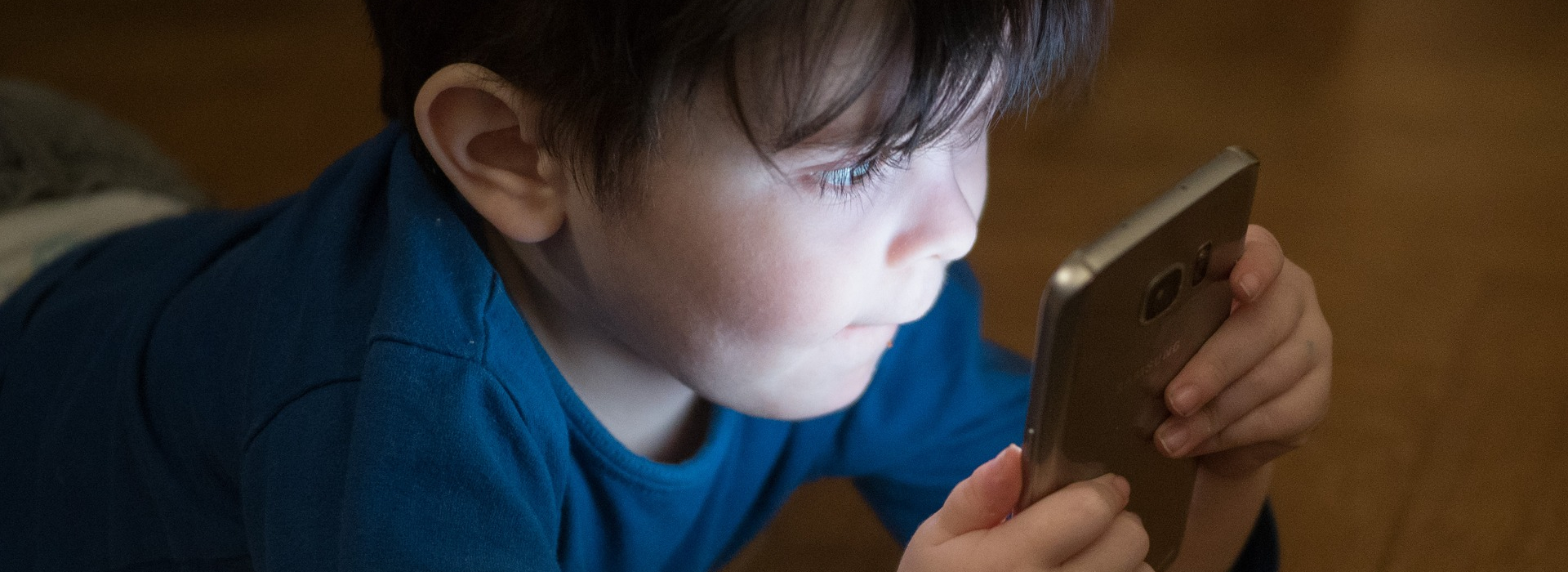 Parenting in the digital age – empowering Dutch parents with a practical screen guide