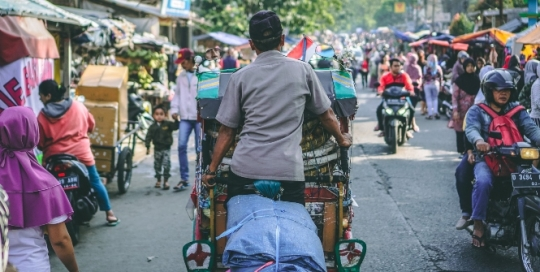 When the pandemic struck Indonesia, urban gig workers were hit the hardest